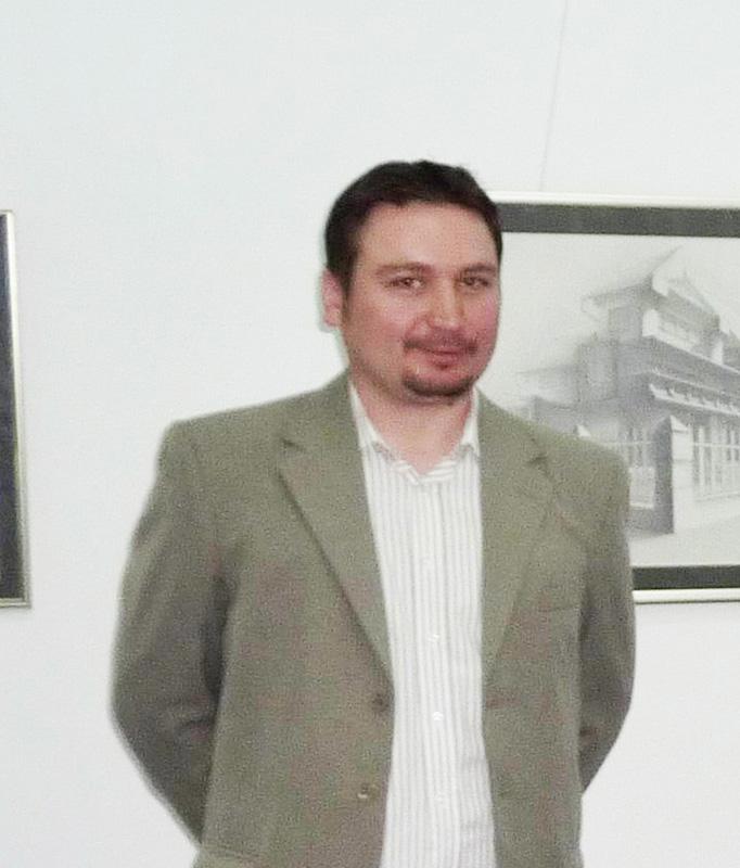 """Pictorul Cristinel Prisacaru pregăteşte expoziţia """"Sub lupă"""""""