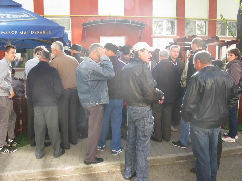 Peste 300 de persoane, la bursa generală a locurilor de muncă