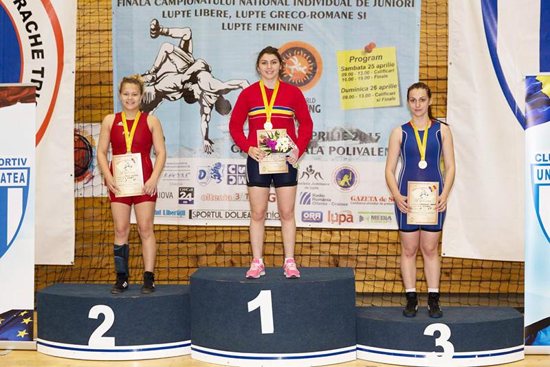 Medalii pentru luptătoarele romaşcane la naționalele de juniori