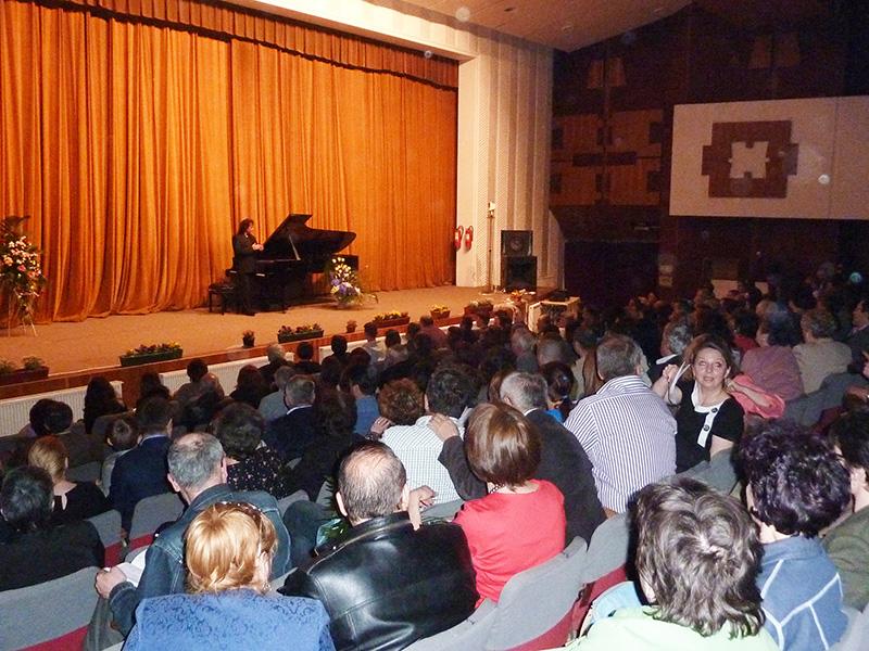 Horia Mihail a oferit romantism muzical romașcanilor