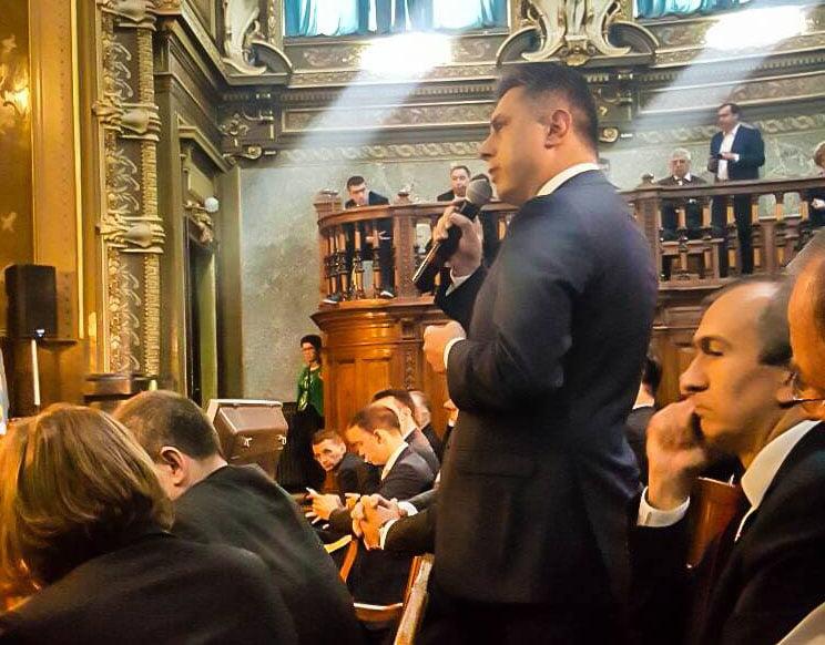 """Deputatul PNL Mugur Cozmanciuc: """"Guvernul Cioloş a preluat propunerile PNL privind infrastructura şi sănătatea. Sunt convins că va susţine dezvoltarea Moldovei"""""""