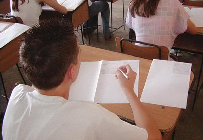 48 de elevi din Neamț au lipsit la prima probă a Evaluării Naționale