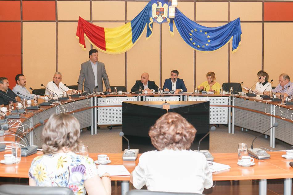 Oamenii de afaceri din judeţ s-au întâlnit cu preşedintele CJ Neamţ