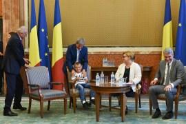 oaspeti copii DGASPC Neamt premier Ciolos 01