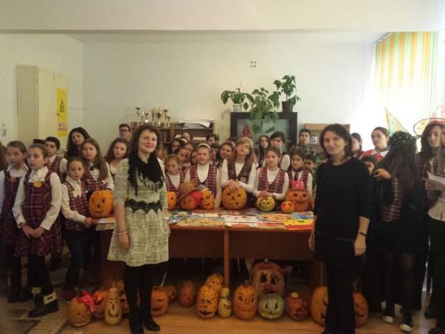 colegiul-danubiana-scoala-mihai-eminescu-halloween-2