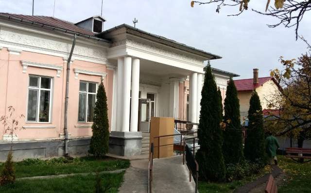 azil-roman-tavan-prabusit-09