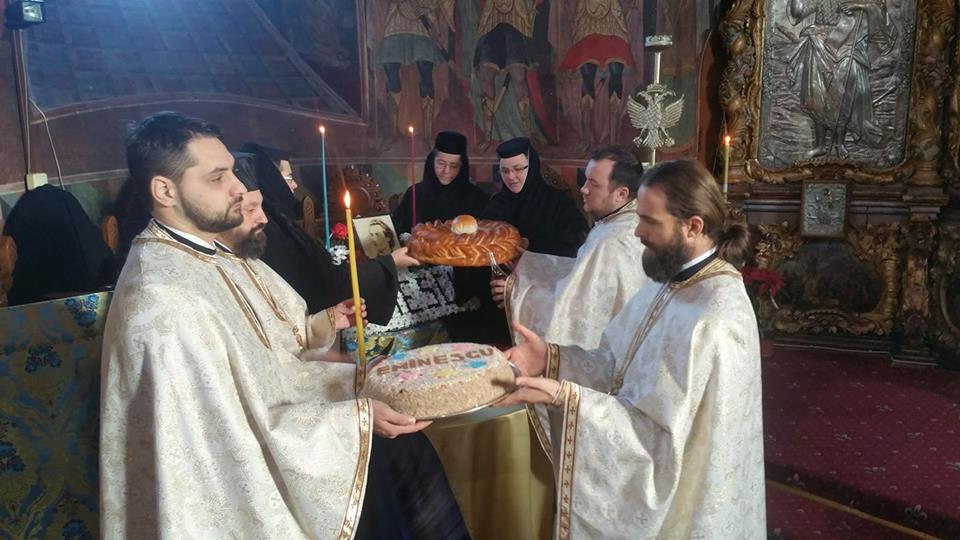 Mihai Eminescu a fost pomenit la catedrala arhiepiscopală din Roman