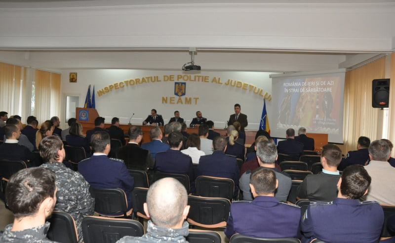 Avansări în grad la IPJ Neamț, cu ocazia zilei de 1 Decembrie