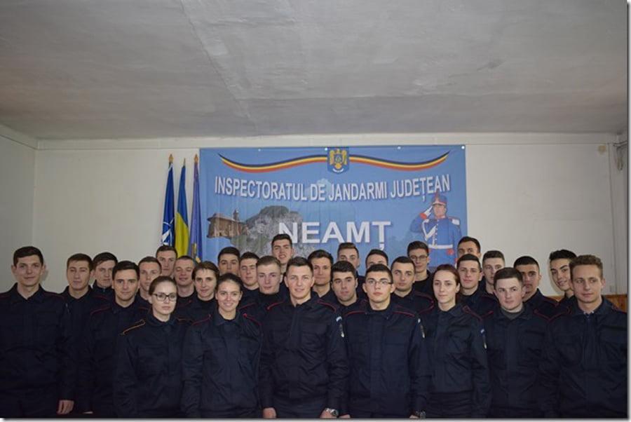 30 de elevi jandarmi, în practică la Jandarmeria Neamț