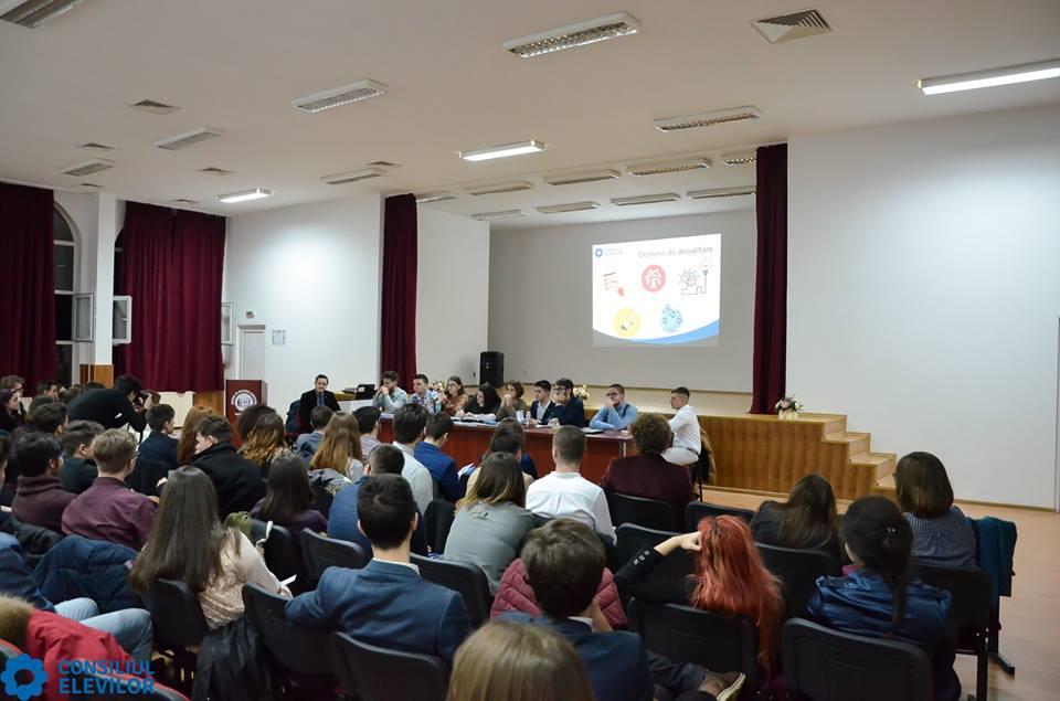 Elevi nemțeni la Adunarea Generală a Consiliului Național al Elevilor