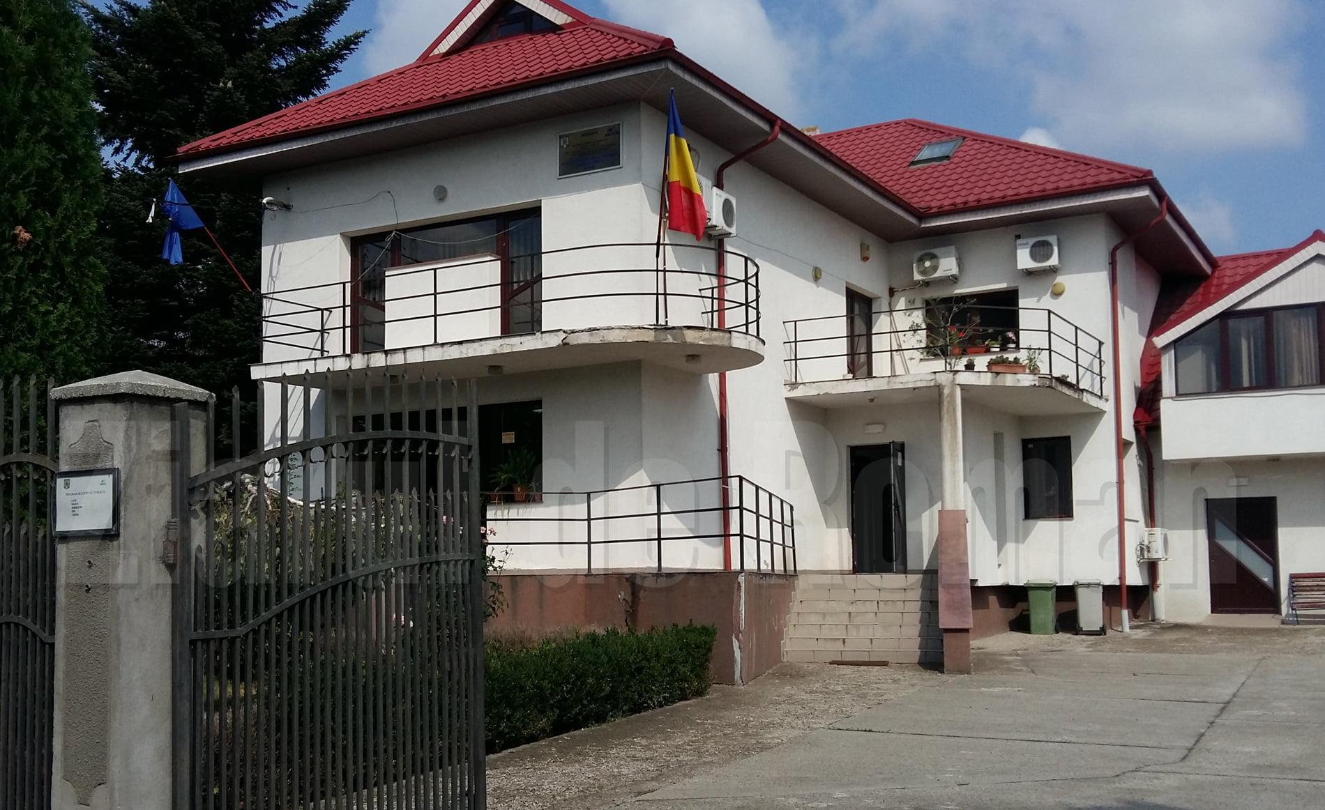 367 de locuri de muncă pentru romașcani. Ce agenți economici fac angajări în zona Roman