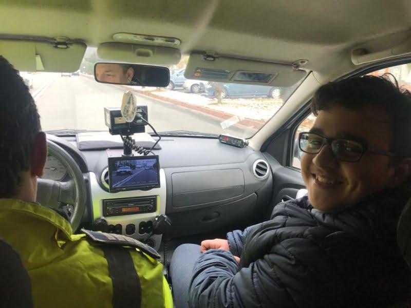 Aniversare alături de polițiști, la împlinirea vârstei de 16 ani