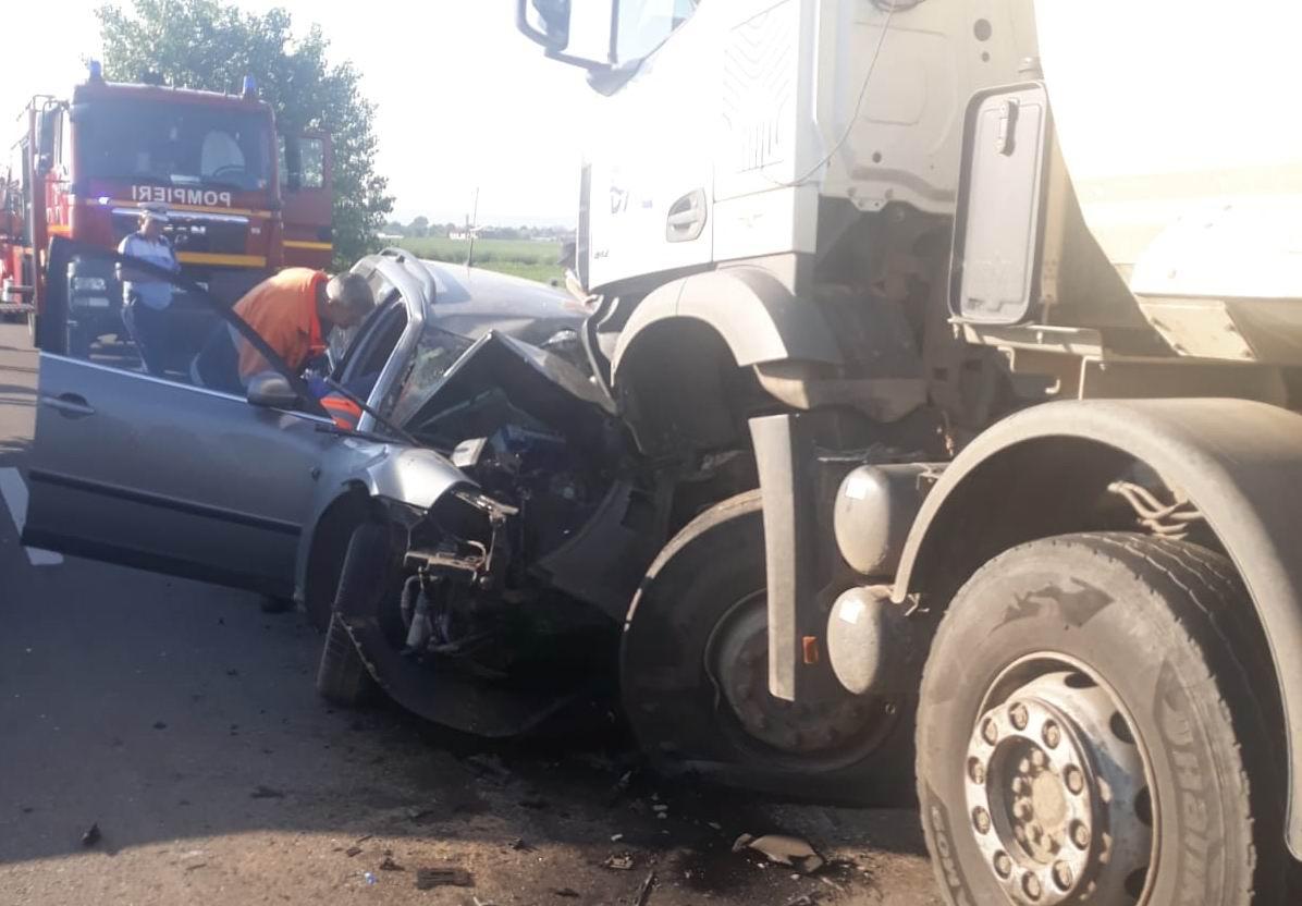 Grav accident rutier pe DN 15D, la ieșirea din Horia