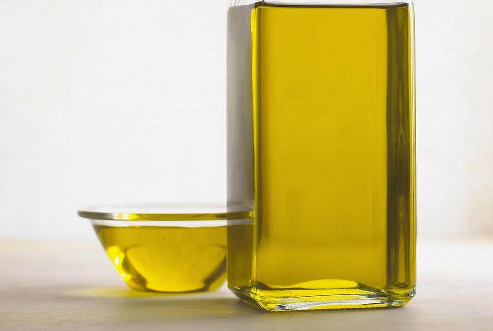 Romașcanii sunt încurajați să recicleze uleiul de gătit folosit