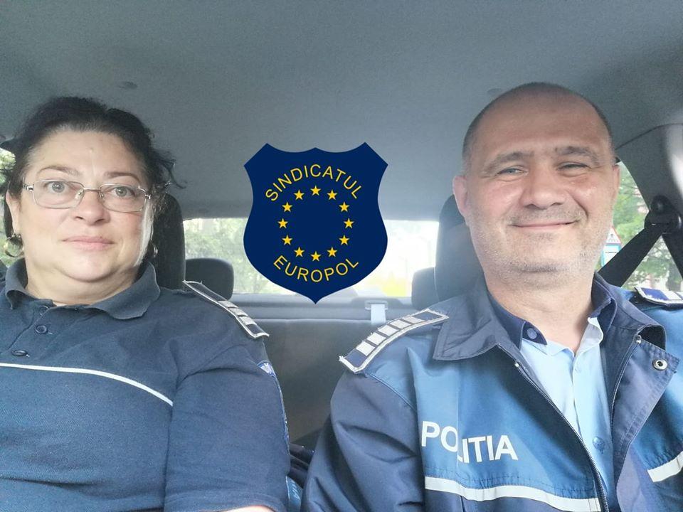 Doi polițiști romașcani au salvat o femeie de la sinucidere