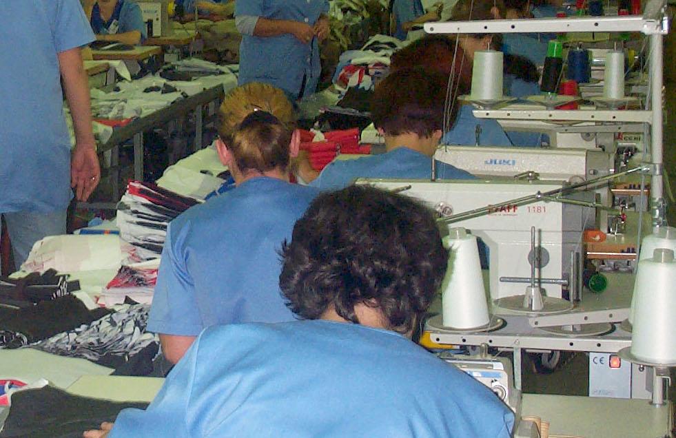 Controale ale ITM Neamț la producători de textile, confecţii, pielărie şi încălţăminte