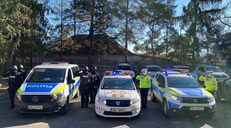 Polițiști avansați în grad, cu prilejul Zilei Poliției