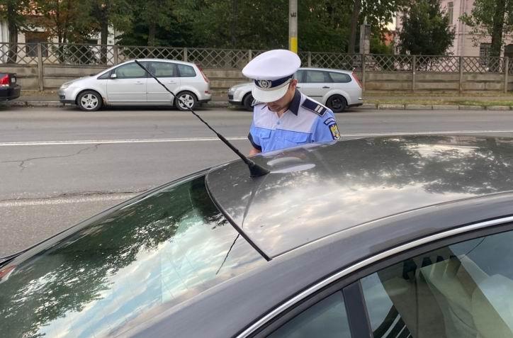 130 de șoferi sancționați joi de polițiști