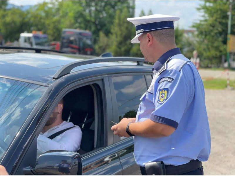 Peste 60 de șoferi au rămas fără permis, în acest weekend