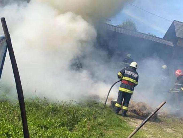 Incendiu la o gospodărie din satul Bârjoveni