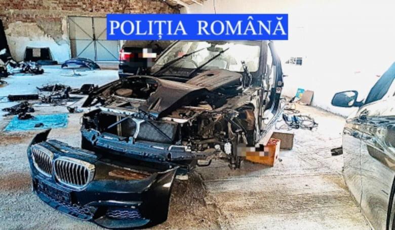 Percheziții în Neamț, vizând furtul și traficul de mașini de lux