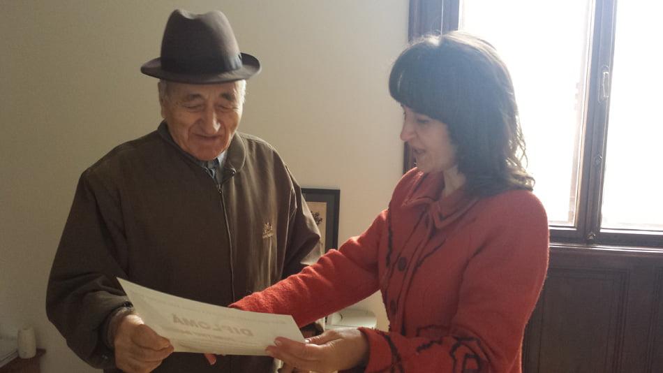 Cel mai în vârstă cititor al Bibliotecii Municipale, sărbătorit de Ziua Vârstnicului