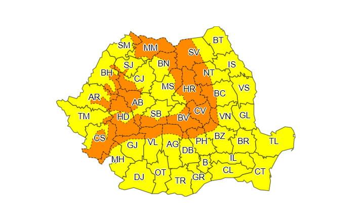 Vânt puternic și precipitații mixte, în întreaga țară, până luni seară