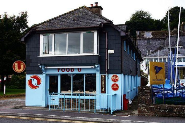 Tutti i colori di Kinsale una graziosa città nell'Irlanda del sud