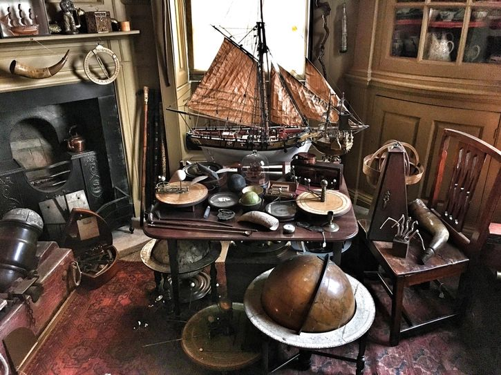 La curiosa collezione di oggetti lasciata da Charles Paget Wade