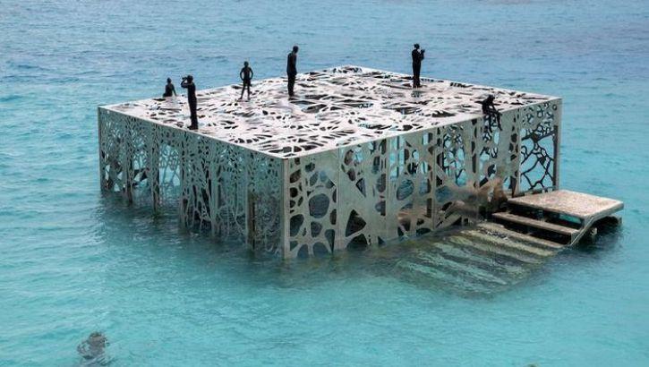 L'originale museo semisommerso Coralarium
