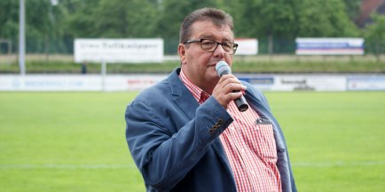 Karl Lösbrock eröffnet den 8. Montanhydraulik Business Cup
