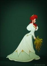 Ariel, visiblement pas si heureuse que cela de se marier, porte une robe de mariage de fin 1890