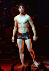 Darren Criss hedwig and the angry inch1