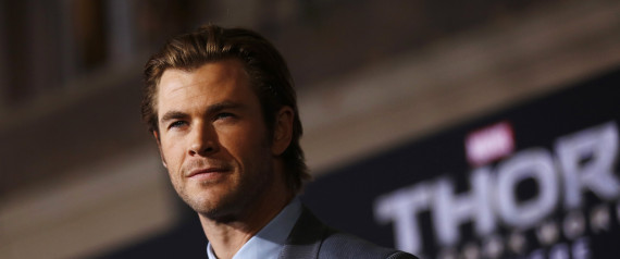 "Cast member Chris Hemsworth poses at the premiere of ""Thor: The Dark World"" at El Capitan theatre in Hollywood, California November 4, 2013. The movie opens in the U.S. on November 8.   REUTERS/Mario Anzuoni  (UNITED STATES - Tags: ENTERTAINMENT) - RTX150CM"