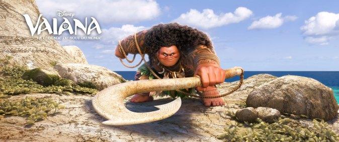 Maui est un demi-dieu, c'est Dwayne Johnson qui lui prête sa voix dans la version originale.
