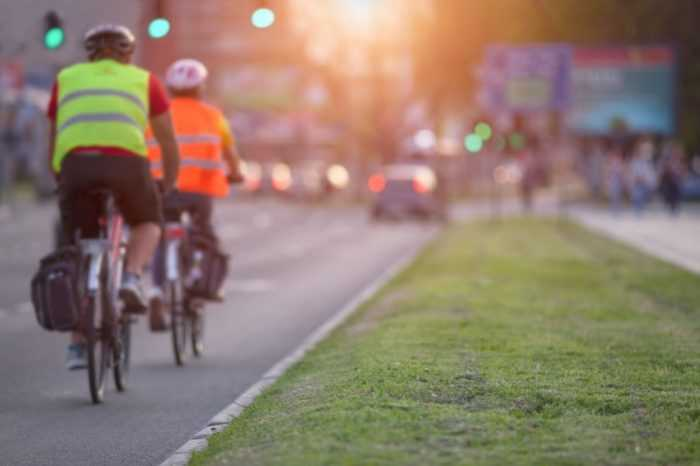 c56e67d4b Reflective clothing is important for cyclists