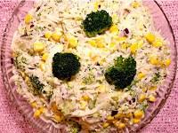 Sałatka z makaronem z tapioką i brokułem