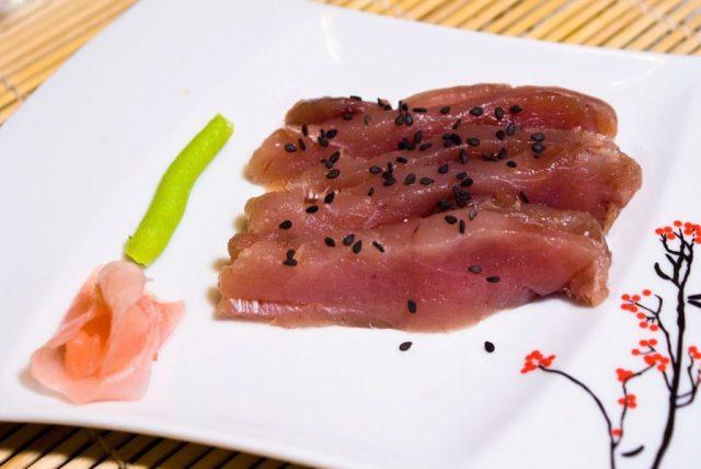 Sashimi sushi z tuńczyka
