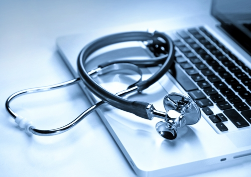 the information age has enabled doctors to view patient data on laptops  1508 608708 0 14091474 500 - Feds Put Pressure On Doctors, Hospitals To Make It Easier For Patients To Receive Their Medical Records