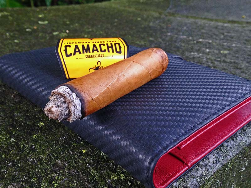 camacho-connecticut-robusto-03
