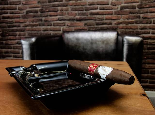 Davidoff Year Of The Rooster 01