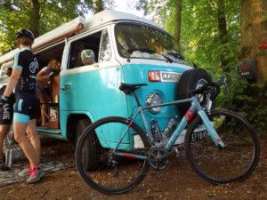 Volkswagen busje en wielrennen
