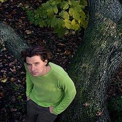 foto daimbil dari situs pribadi peter zilahy, www.zilahy.net