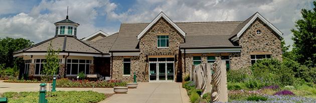 Traditional Wedding Venue: Boerner Botanical Gardens Milwaukee
