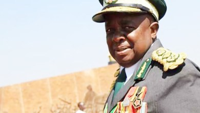 Photo of Prisons Commissioner-General Zimondi retires