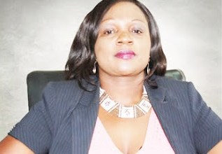 Photo of Zanu-PF linked land baroness Smelly Dube arrested