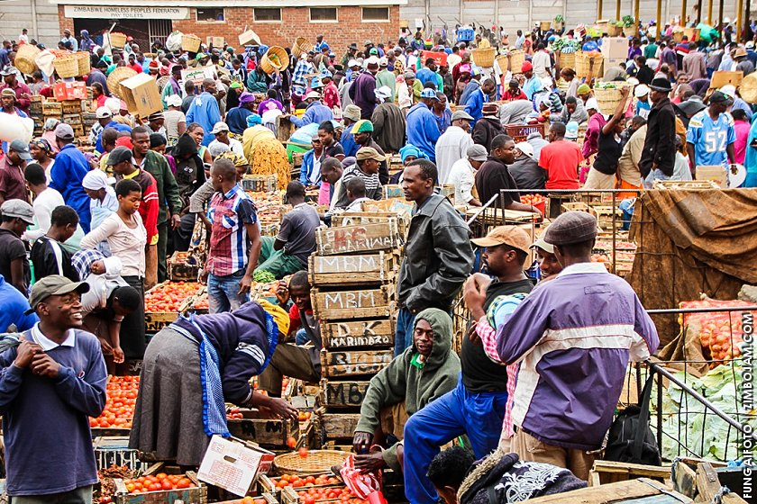 Stories with in stories. Mbare Musika vegetable market, Harare. PIC: FUNGAIFOTO | ZIMBOJAM.COM