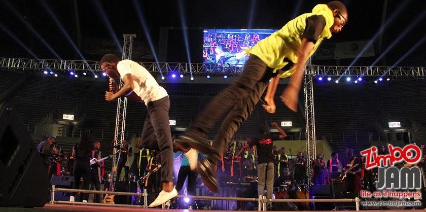 Zimpraise Acrobatic dancing PIC: T. CHIHAMBAKWE | ZIMBOJAM.COM
