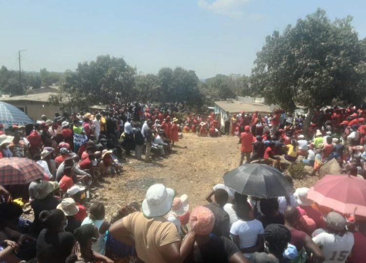 MDC Youths Bar Zanu PF Councillors From Addressing Mourners At Murdered Chiwaya's Funeral In Karoi