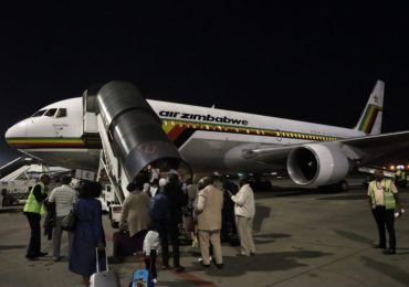 Air Zimbabwe resumes domestic flights